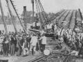 Most Poniatowskiego, 1915. Naprawa zniszczonego przezwojska rosyjskie mostu.jpg