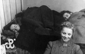 2-sylwester-1944-45-milanowek