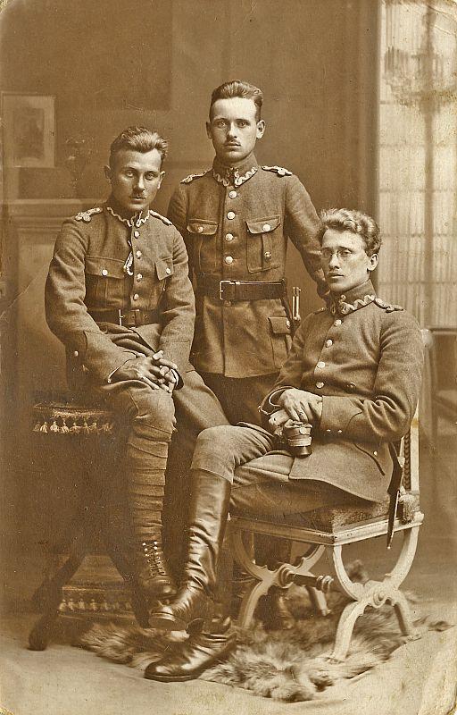 Józef, Zygmunt, Stefan Pomarańscy – ulubieni żołnierze Józefa Piłsudskiego.